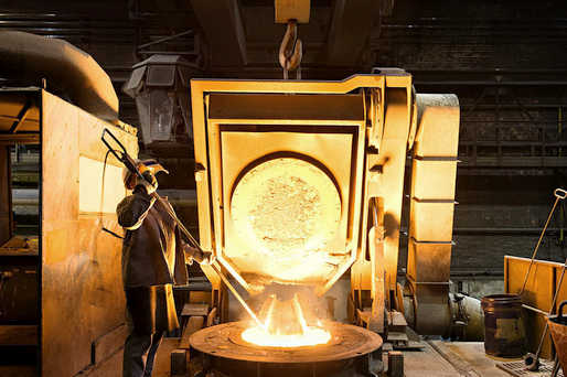 Remelting of recycling material from the metallurgy